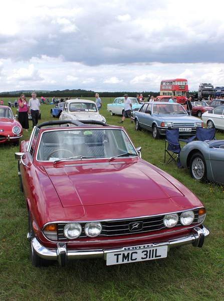 Triumph Stag at White Waltham Retro Festival Classic Car Rally 2011