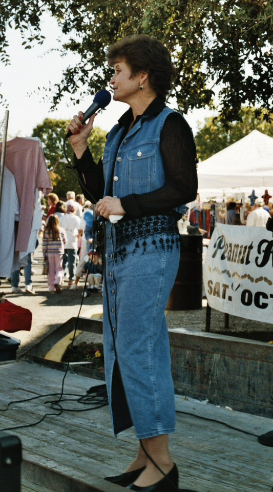 Rosie O'Toole sings gospel music. Whitesboro Peanut Festival, 2004