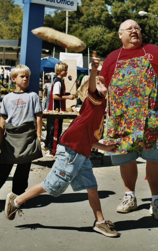 Goober Toss Whitesboro Peanut Festival, 2004