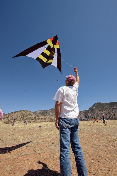 Tall Bob with the raffle prize kite.