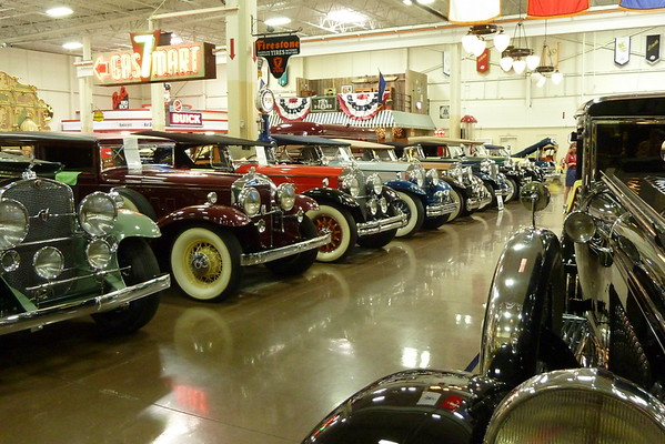 2015 Wills Ste.Claire Reunionites visit Stahls Foundation 80 Car Collection, St. Clair Shores, MI.