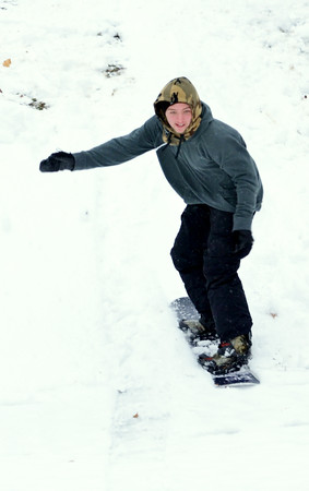 1213 snow boarder