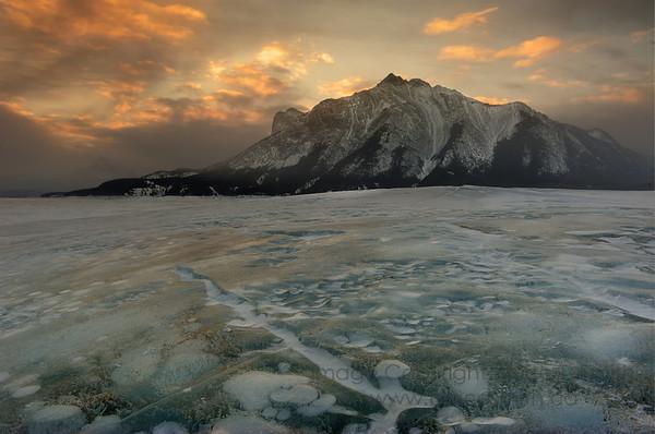 Sunrise and ice patterns