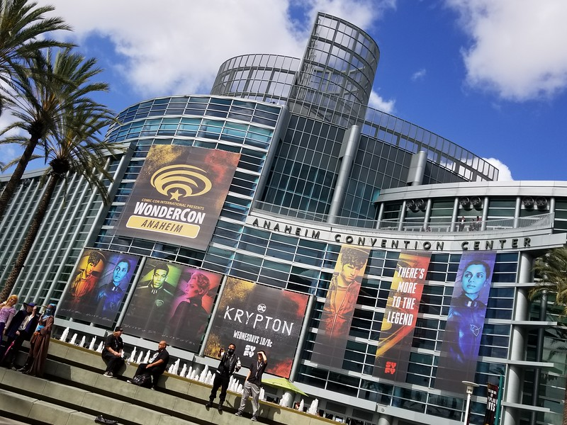 PICTORIAL: A taste of WONDERCON 2018, plus casts of S.H.I.E.L.D., Lost in Space, and more!
