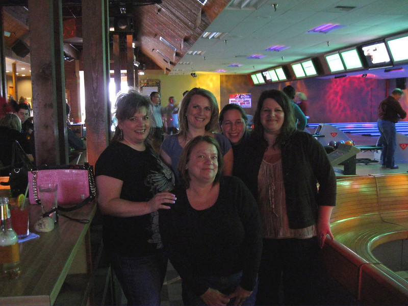 Tina, Melissa, Wendee, Mandy, & Mil at River City Lanes.  We also had Austin on our bowling team. He was nice and took our picture.  We came in 3 place out of all the teams bowling that night.
