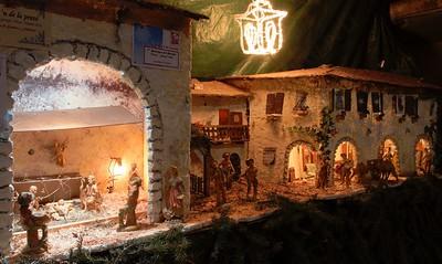 Presepi a Vione (Vione Nativity Scene): mountain hamlet.