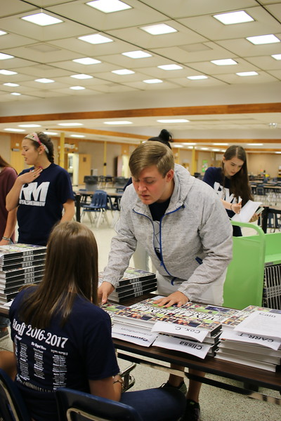 Yearbook Distribution 2017