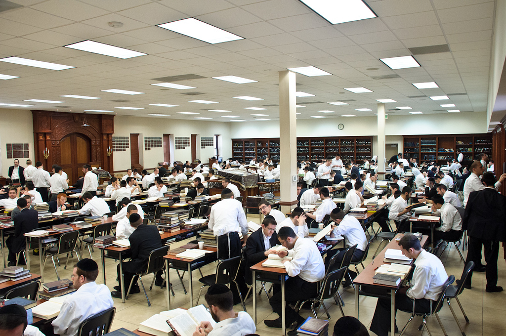 The Yeshiva moved into the Mechina Bais Medrash for the duration of the zman