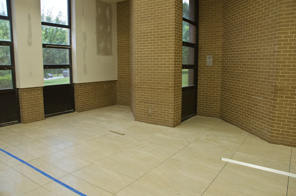 almost finished tiling in the bais medrash