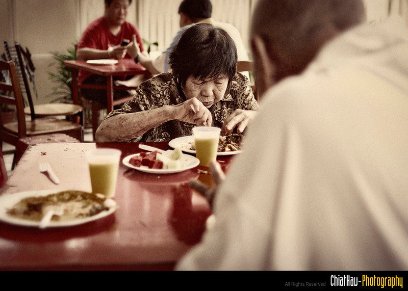 Both of them enjoying the foods...