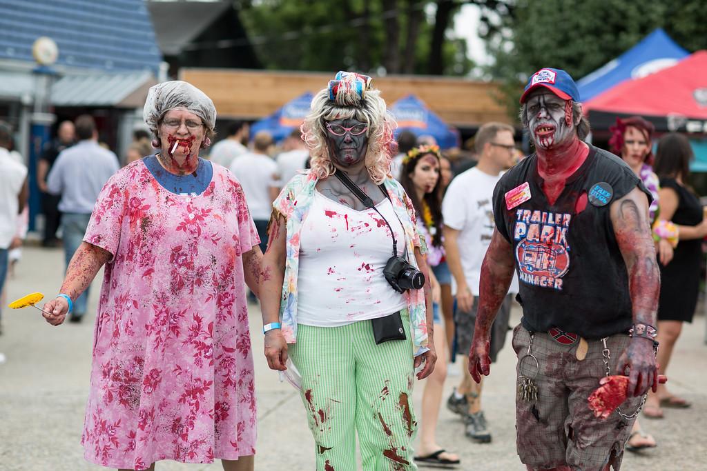 ZombiePubCrawl_TobiasRoybal_07272013-61