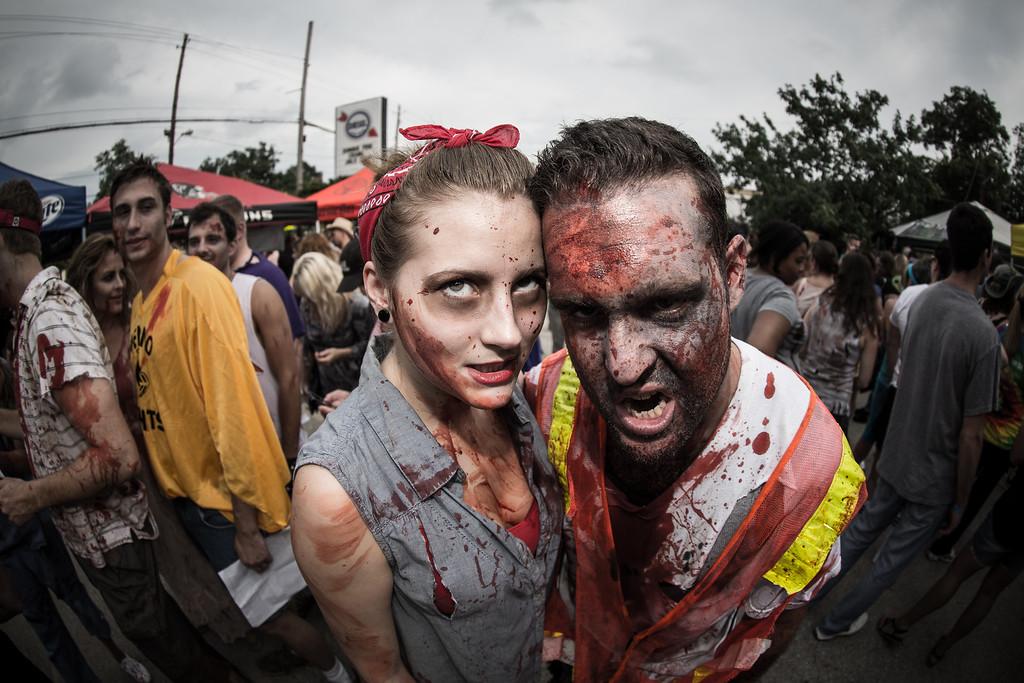 ZombiePubCrawl_TobiasRoybal_07272013-229