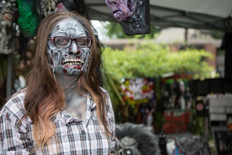 ZombiePubCrawl_TobiasRoybal_07272013-18