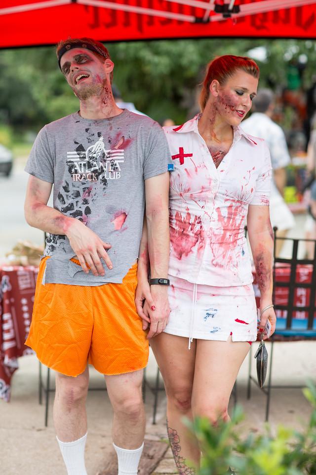 ZombiePubCrawl_TobiasRoybal_07272013-56