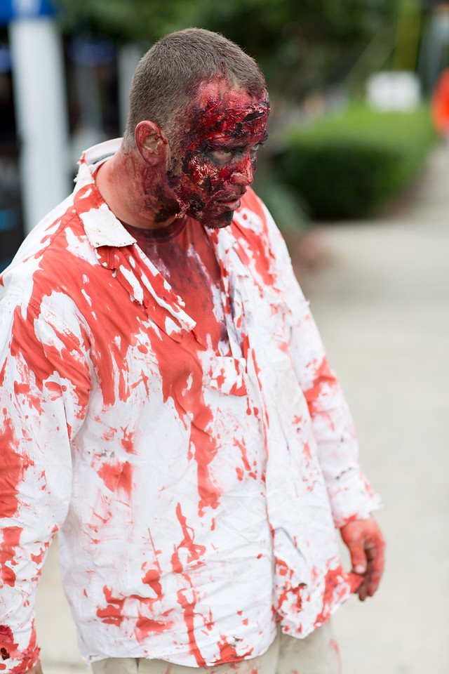ZombiePubCrawl_TobiasRoybal_07272013-44