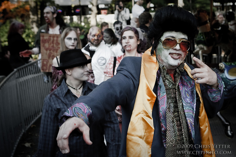 EOS-1D Mark II N 8349_Zombie Walk