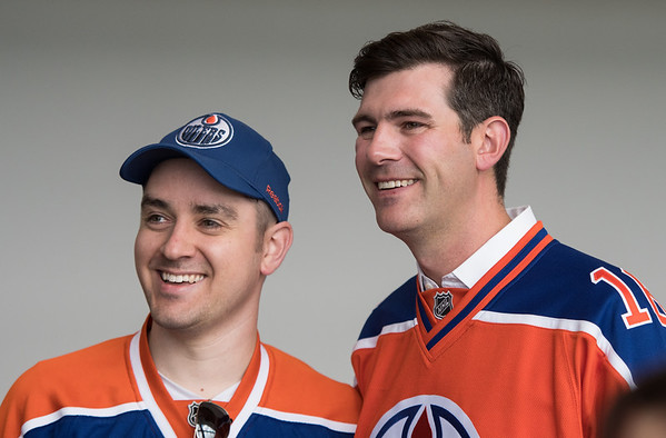 Mayor Don Iveson poses for a picture with Brian Salter in Rogers Place during the public open house on Saturday morning Sept. 10, 2016.(John Lucas/City of Edmonton