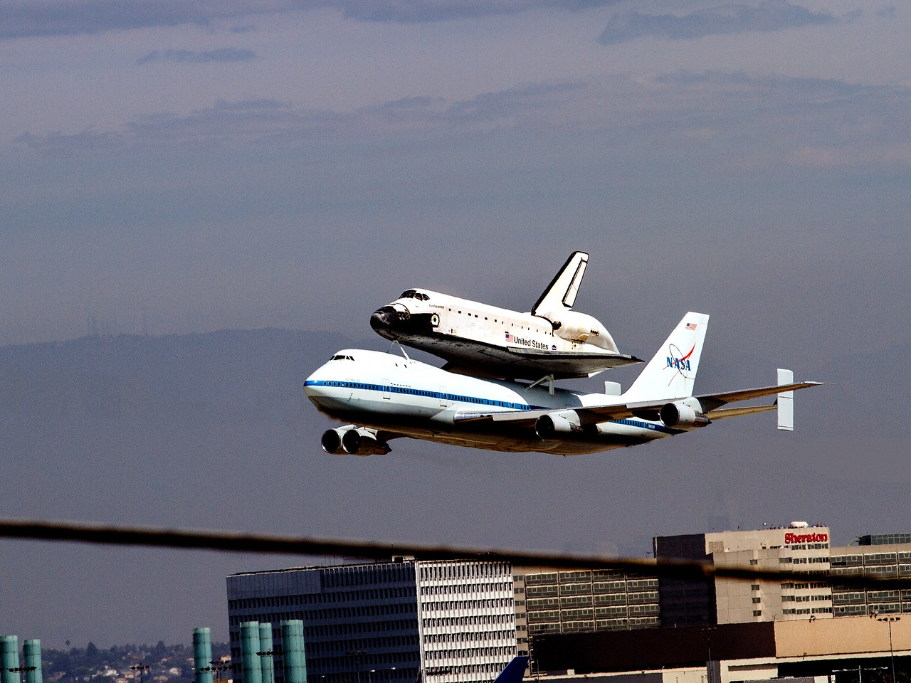Endeavour 300 ft final flyover