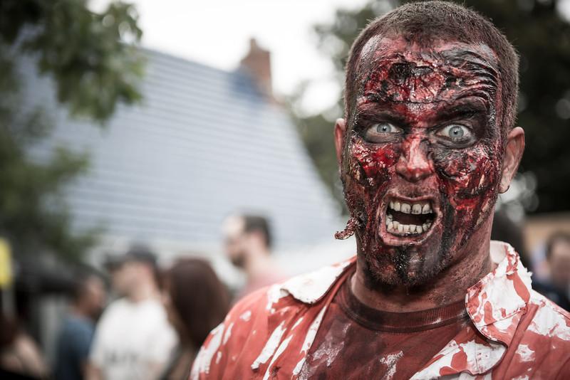 ZombiePubCrawl_TobiasRoybal_07272013-34-2