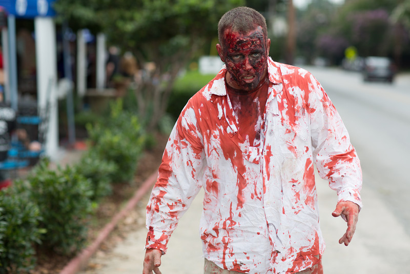 ZombiePubCrawl_TobiasRoybal_07272013-47