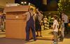 Aufstellen des Michzapfautomats vom Nirschlhof im REWE Gruber in Grafing