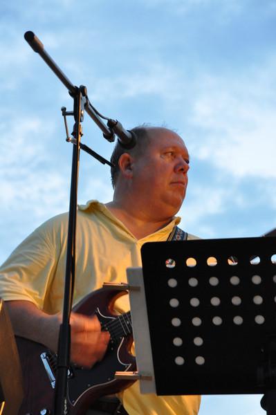 bass guitarist Phil Ecks