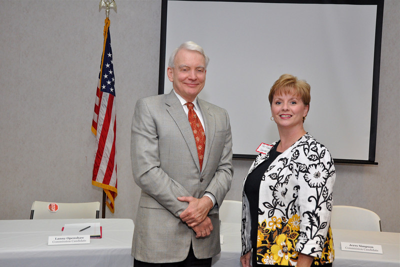 Jim Carpenter, President Union County Chamber and Pat Kahle of Citizens South Bank, Union County Chamber Chairperson