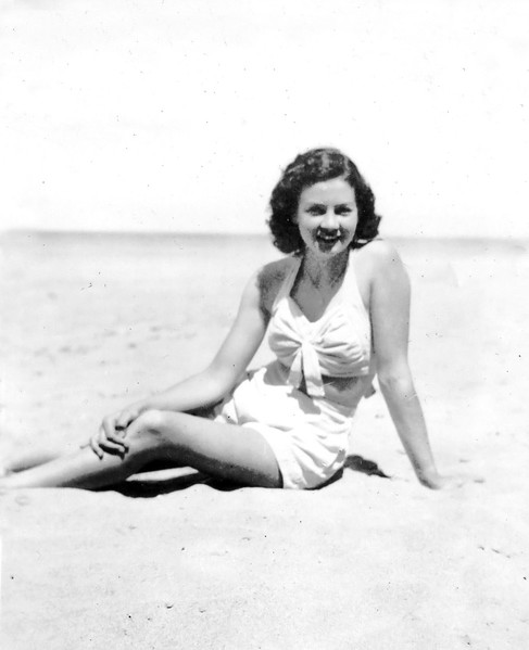 1947-12_Josie Tibbitts_Bilgola.jpeg