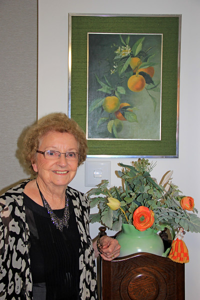 2017-02-18_9667_Joan Edmonds.JPG<br /> <br /> Joan Edmonds with a painting done by her mother
