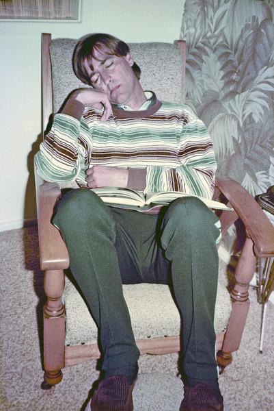 1984-08_John Boon watching Anthony's movies