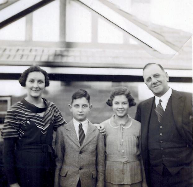 1935_Amanda_Graham_Josie_Oliver Tibbitts