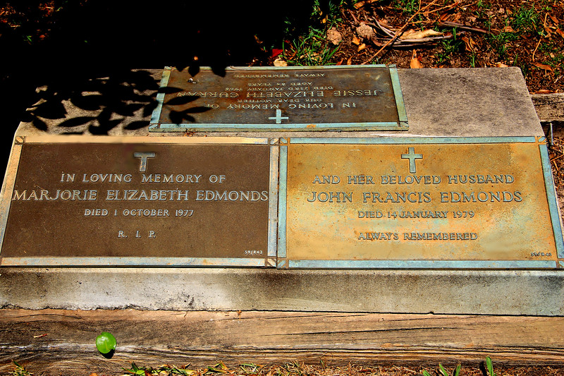 2017-02-20_9751_Macquarie Cemetery_Edmonds Graves.JPG