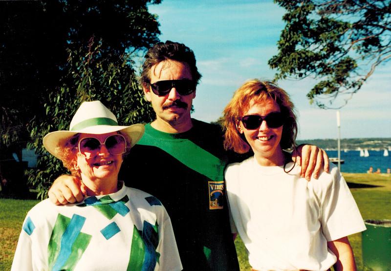 1991-03-24 Joan Edmonds_Chris_Angela Ashley.jpg