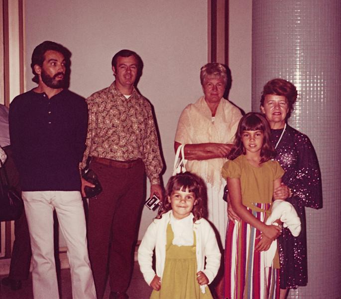 1973-10 Pitchers, Miriam airport
