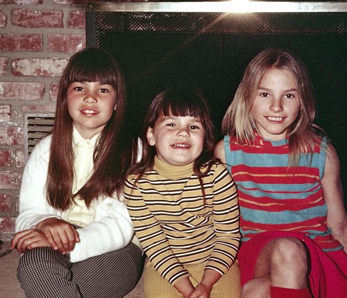 1973-04 Pam_Debbie Pitcher_Rose Leder.jpg<br /> <br /> Cousin fun!
