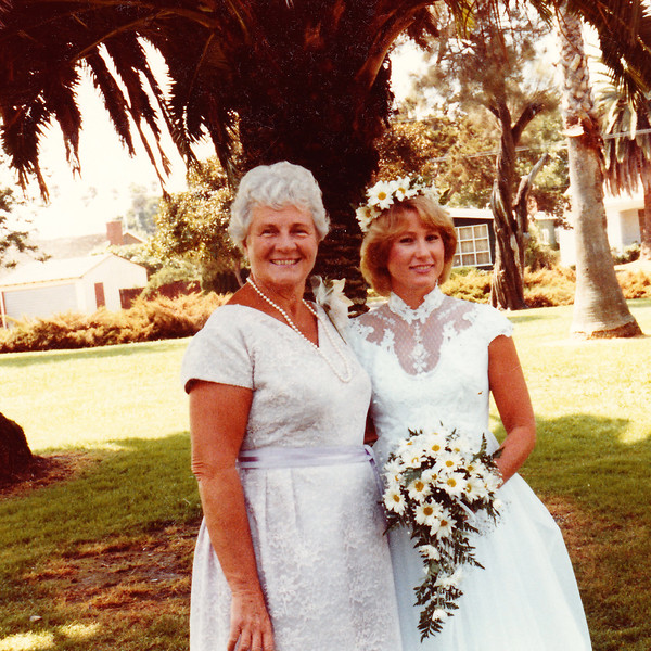 1982-08-28 Joan_Diane