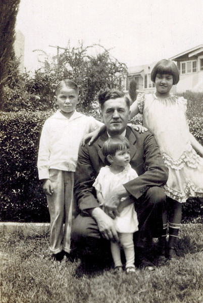 1927 Don_Herman_Daisy_Dorothy Wichner.jpg<br /> <br /> Uncle Herman Wichner, with brother Alfred's kids - Don, Dorothy and Daisy