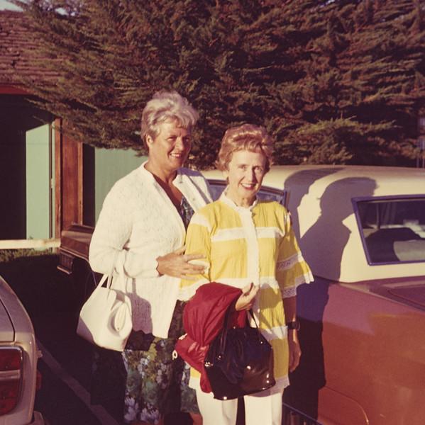 1972-08 Wolfe Nancy & Joan