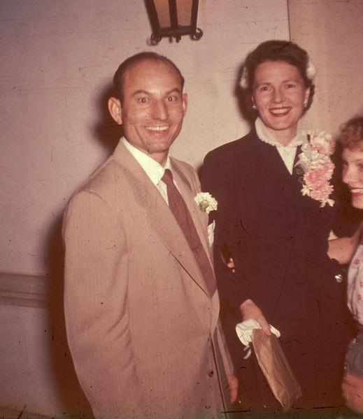 1952-10-11 Don_Joan Wichner_wedding