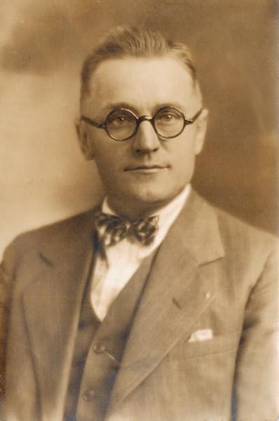 1915 ?_Emil Henry Wichner.JPG<br /> Heinie Wichner, my great uncle