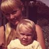 1971-11 Davidson Sandi & Amber