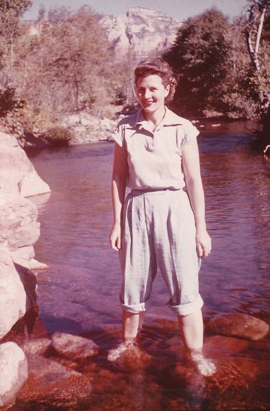 1952-10 Joan honeymoon