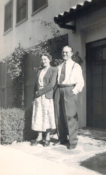 1949-12-26 Rose_Alfred Wichner.jpg<br /> <br /> Rose and Alfred on Marmion Way