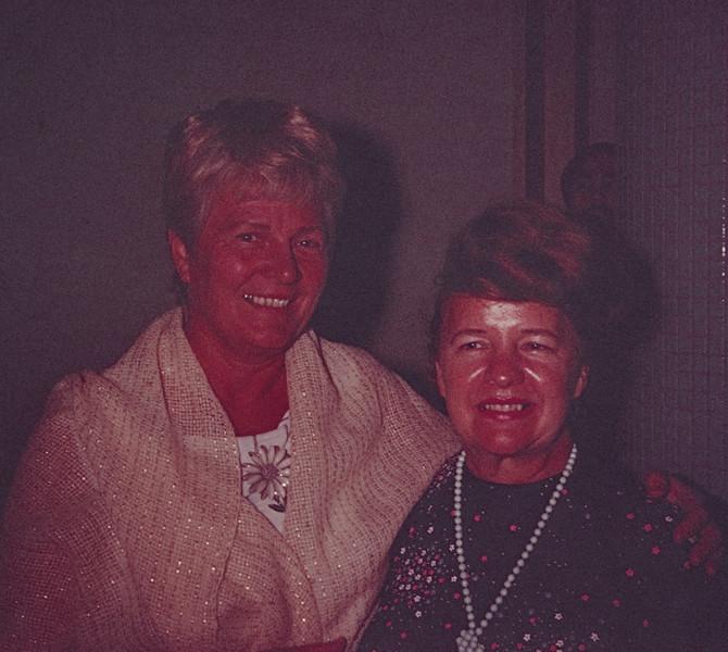 1973-10 Joan & Miriam