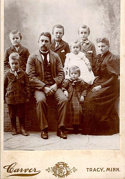 1898_Herman_William_Emil Henry Alfred_Charles_Elmer_Lydia_Otillie (Missing Ernie & Walter)