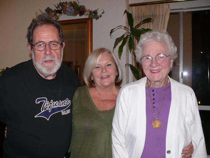 2007-04-29_Brian_Margaret Kelly_Joan Wichner_534