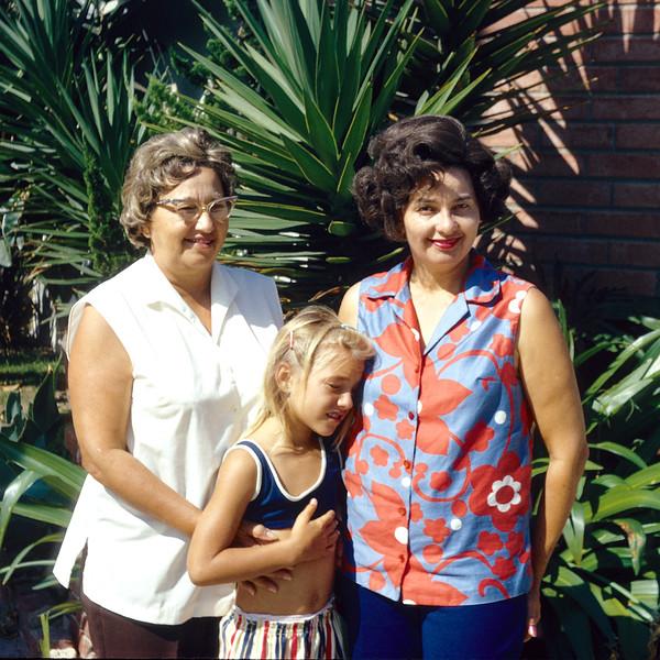 1972-11 Daisy Hoppe_Rose Leder_Dorothy Lehigh.jpg<br /> <br /> Rosie with Great Aunts, Daisy and Dorothy