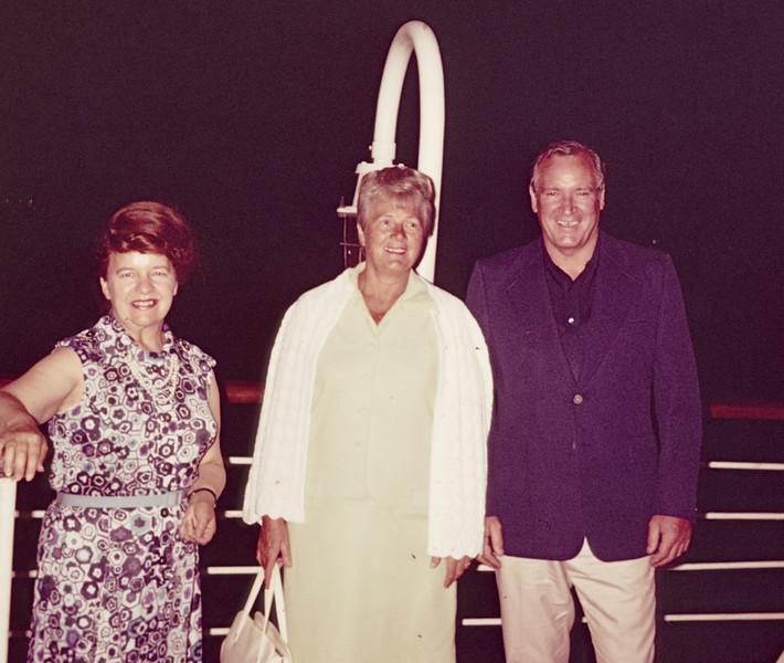 1973-10 Davidson Miriam, Joan, Keith