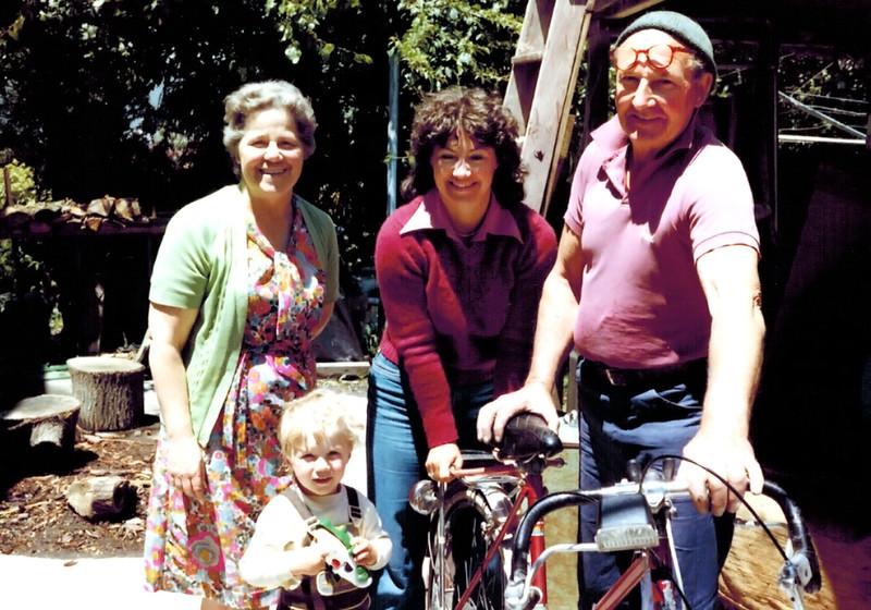 1981-12_Kathy Booth_Mom_Dad_Norrie.JPG