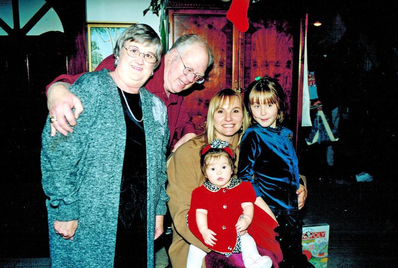 2000-12-23_Suzie_Walt_Rose_Kennedy DuBose_Natasha Pigman.JPG